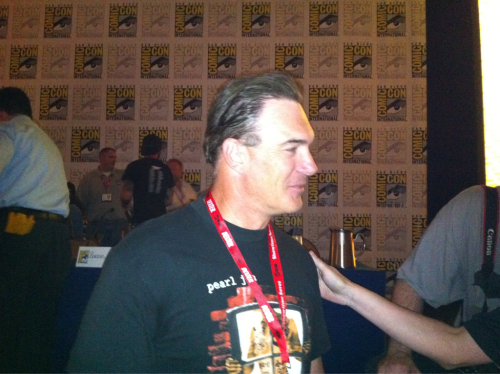 Patrick Freaking Warburton came down from the dais to shake my hand and let me take his picture. Hawt.