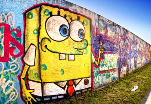 diaryofminnie:  christina347:  SPONGEBOB :)  This is very artistic good bomber !