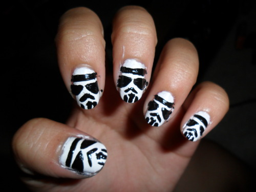 slimthuggah:  Stormtrooper nails