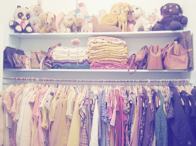 I really wish my closet was this organized…