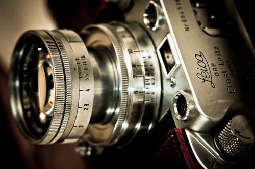 dapperlane:  I want a Leica. M8 or M9.  Such an elegant moment capturer.