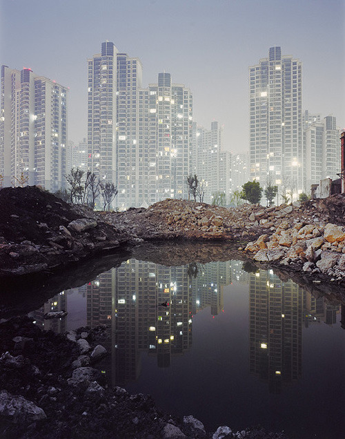 ladder-to-the-stars:  Harry Kaufmann shanghai