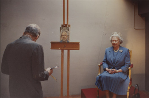 Lucien Freud painting the Queen.