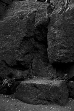 rafiasantana:  Boulders  I should go back to sharpening my photos…