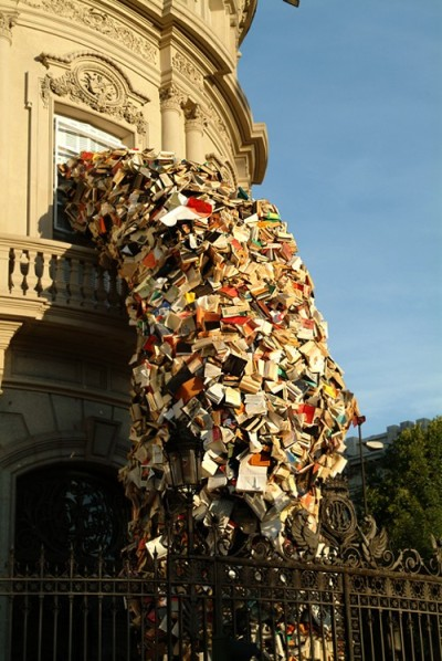 eileenede:  Stream of book installations created by Alycia Martin