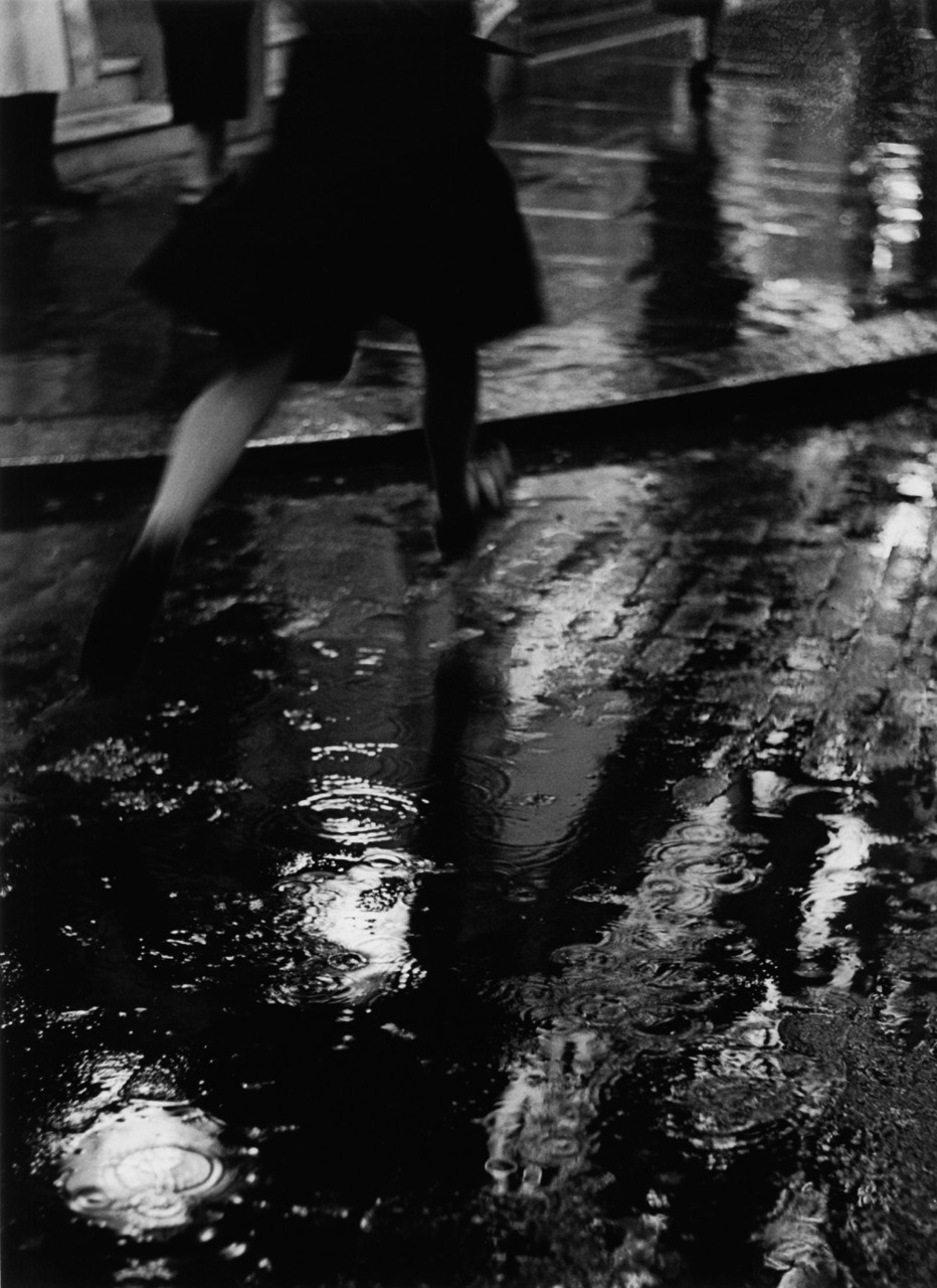 Wolf Suschitzky Charing Cross Road # 8, London, 1937 link