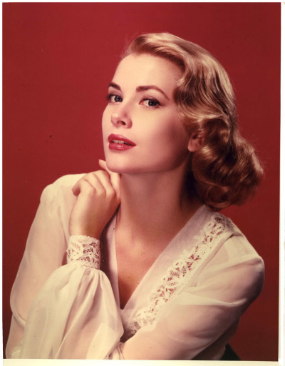 theniftyfifties:  Grace Kelly Definition: Classy and Glamourous