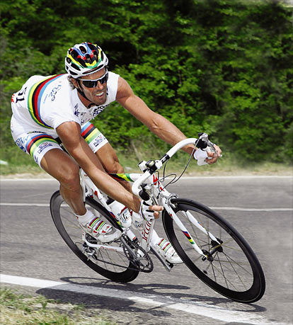 This is the photo that got me into road cycling…..
