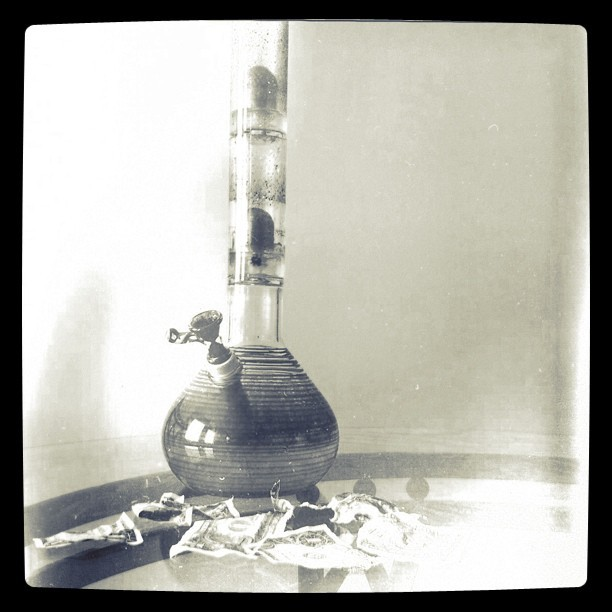 This is my sport #weed #smoking #bong #maryjanelovesme (Taken with instagram)