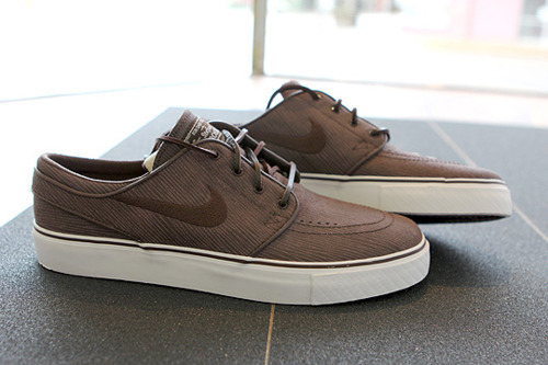 Woodgrain Janoski's sorry for my love for these shoes, they're so swag.