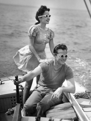 hollyhocksandtulips:  Boating, 1940's