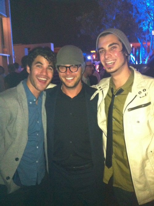 Darren and Joey with Lost writer Damon Lindelof at SDCC '11.