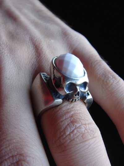 teruyoshiyamamoto:  123-01/BRAIN SKULL RING   Skull o' the Day
