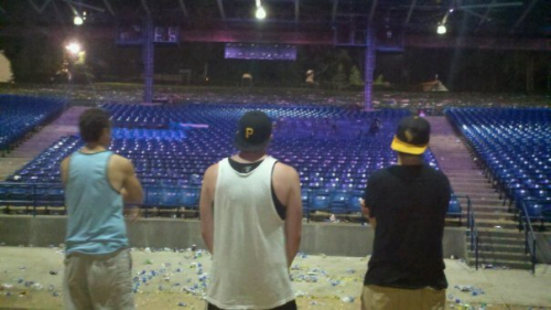On stage after @realwizkhalifa finished up last night #yeeaaahhbitch