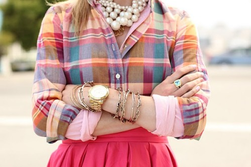 prepfection:  (via atlantic-pacific)  I don't do pink generally - but I would totally rock this. Especially that watch