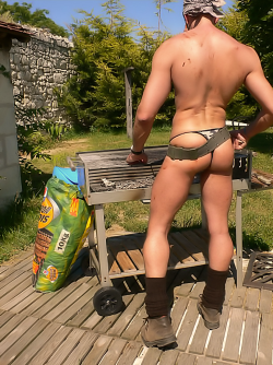manthongsnstrings:  Some hot camo thong muscle