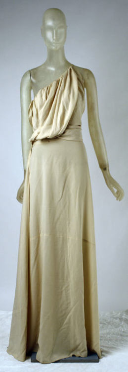 A Grecian inspired evening dress by Vionnet, Spring-Summer 1937.