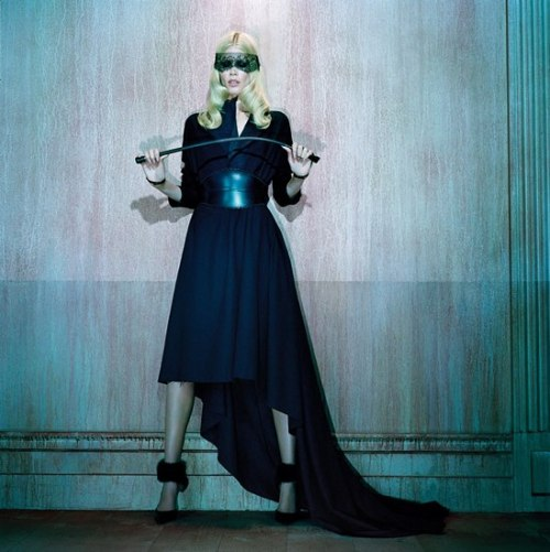 I, CLAUDIA This stunning image of Claudia Schiffer appears in the new German Vogue. Claudia is in high demand it seems at the moment, with covers for Vogue DE and Harper's Bazaar UK. She's launching her own cashmere brand, which looks kinda good (check lookbook here), although I always wonder whether people would be as interested in the designs if she was not behind it.  pic: Miles Aldridge for Vogue Germany/ source: TheFashionspot.com
