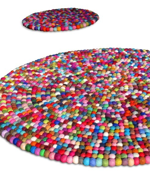 idontknowwhysheswallowedthefly:  YUMMI rug from crafttasticparties at Etsy.com