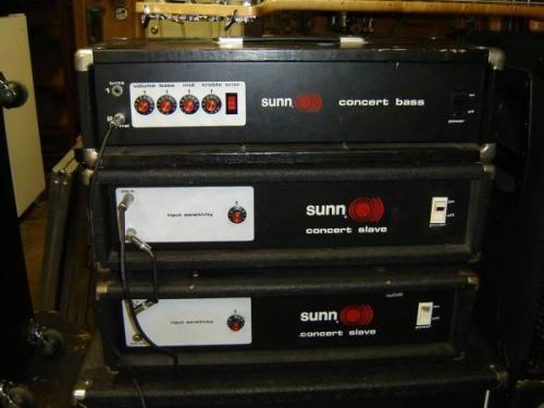 snakebomb:  Closer look at 70s Sunn Concert Bass & Slave (power amp). These ain't the ones I'm buyin but you get the idea.