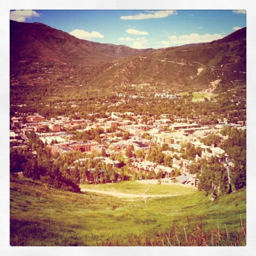 City if Aspen: small city, lots of big fake titties (Taken with instagram)