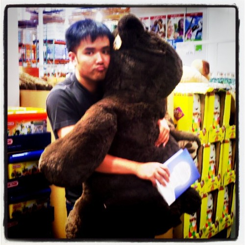I found a date at #Costco and it's only $30 #bear #book (Taken with Instagram at Costco - Mountain View)