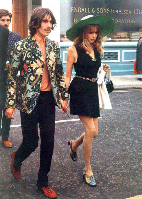 theyroaredvintage:  George 'n Pattie lookin fly, late 1960s.