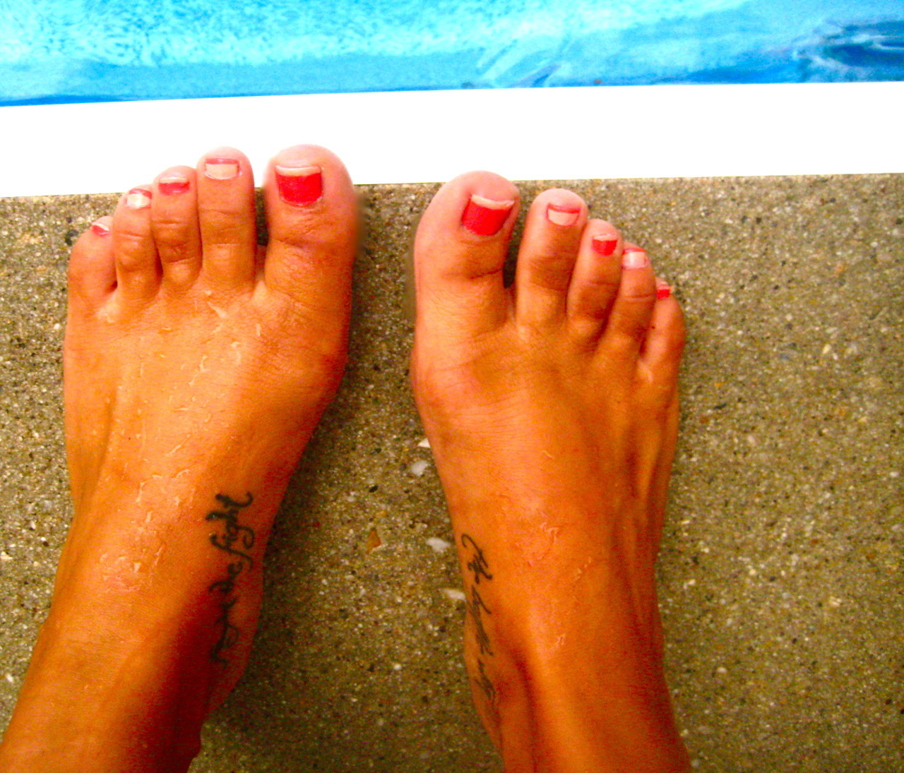 "my toes say, ""pool party? yes, please!"""