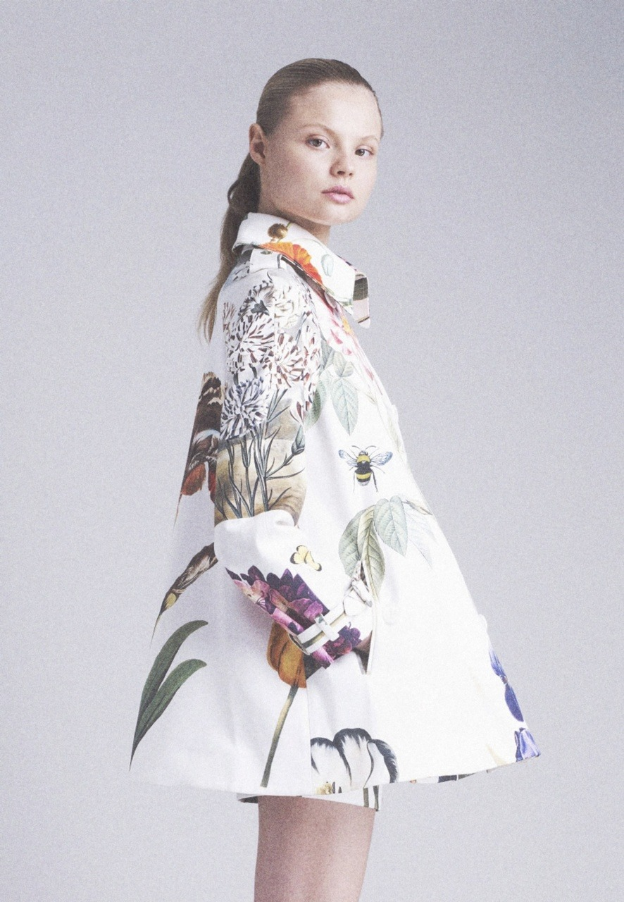 mentalstability:  Magdalena Frackowiak in Stella McCartney Resort 2011