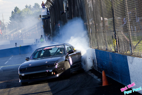 Victor Moore slapping the wall at the hairpin during Formula D round 5.