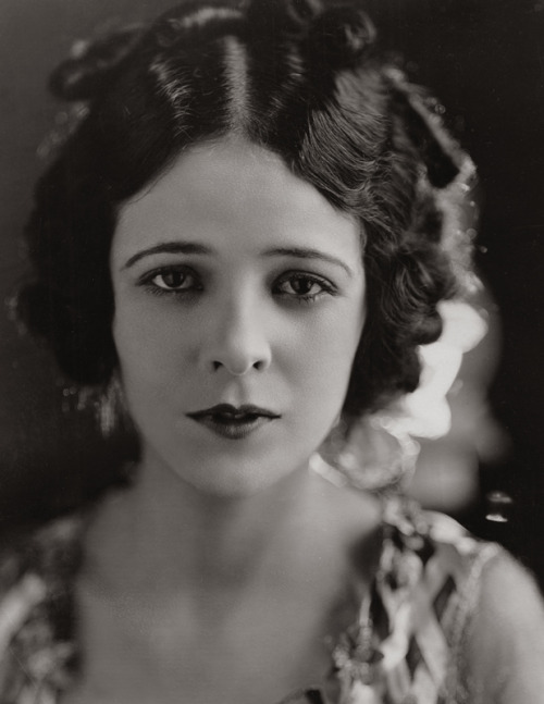 Argentine actress Mona Maris in 1929 Image Source: Flickr
