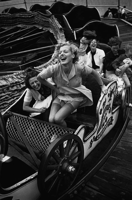 Young Women at a Fair (1938). Kurt Hutton.