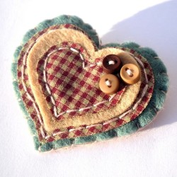this heart brooch is lovely