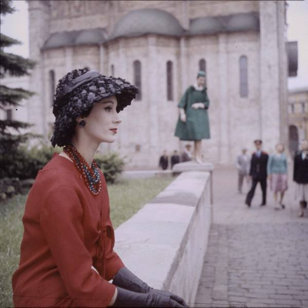 Dior model posing in Moscow (1959). Howard Sochurek.