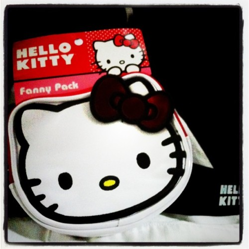 What a bad idea. Just kidding, totally #winning with #hellokitty #fannypack I promise not to wear this in your presence, if you're uncomfortable. (Taken with Instagram at Westfield Valley Fair)
