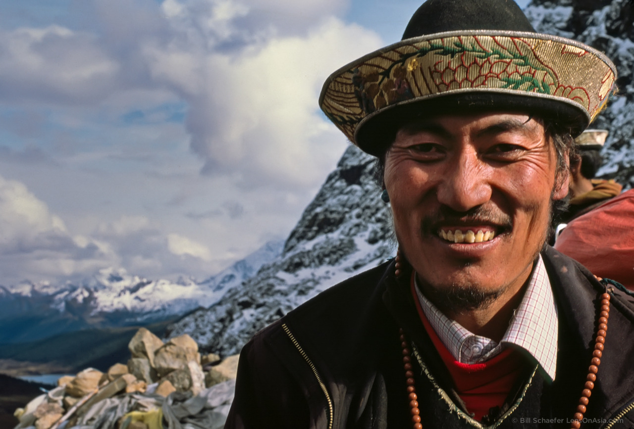 On the Nambu La, Eastern Tibet.  © 2011 Bill Schaefer