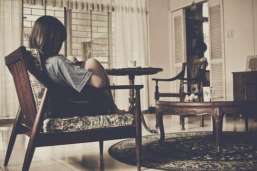 Só eu conheço a dor de não acreditar que mereço ser feliz. Como num espelho te olhando vejo o meu próprio medo minha indecisão, mesmo te amando não estou seguro ,será que é verdade ou uma ilusão? Jorge e Matheus