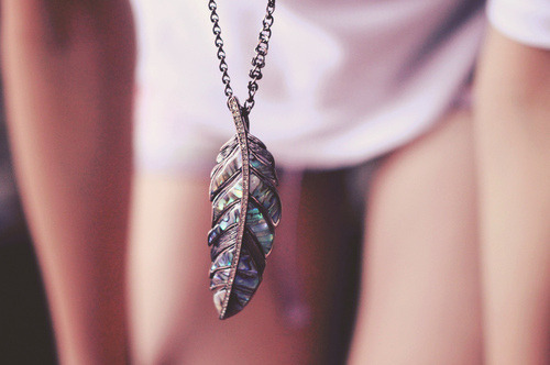 Feather necklace! (via we heart it)