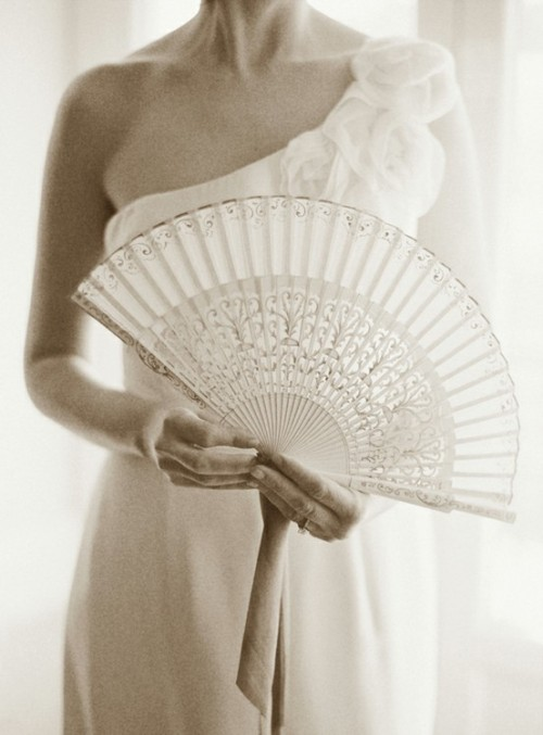 Having a hot summer wedding? Try having a pretty lace fan handy or try these cooling beauty products! They'll help you feel cooler as the temperature soars! (via pinterest, beautylish)