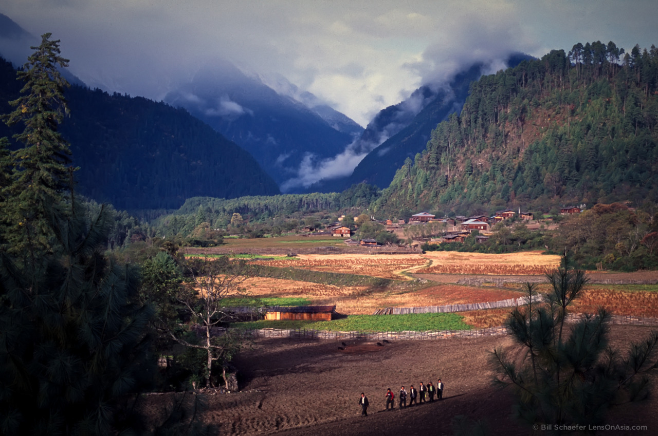Talu, Yigrong Tsangpo river valley, eastern Tibet.  © 2011 Bill Schaefer