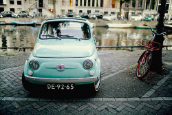 littlewishjar:  Cute little car :D