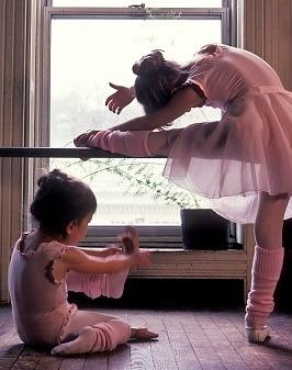 danceisauniversallanguage:  baby ballerinas <3