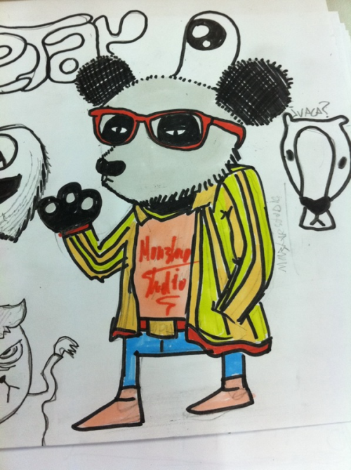 Oso panda hipster coloreado