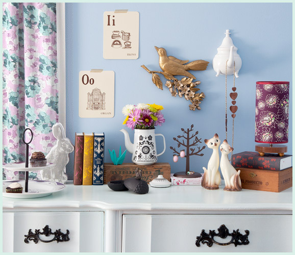 modcloth:  Welcome wall-to-wall with our smart decor collection!