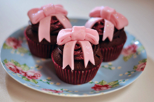 cupcakejunkie:  (by I put deadly nightshade in your cup of tea.)