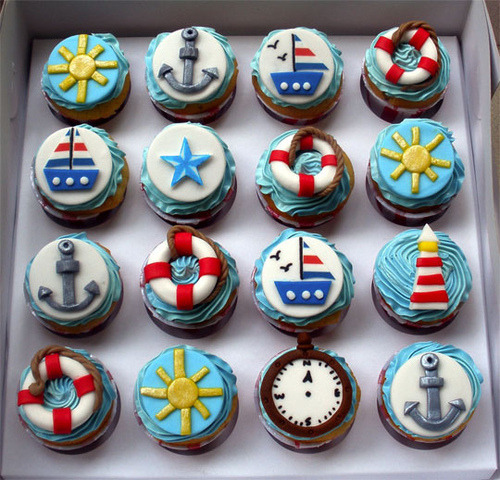 life-actually:  Super cute nautical cupcakes!!! <3