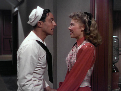 Disrupting my own spam, but Gene Kelly + sailor suit =