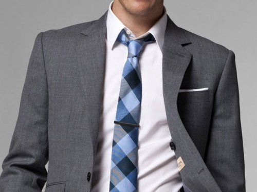 menshealthstyle:  Love that tie.