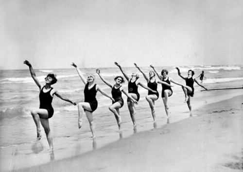 maudelynn:  seven swans a swimming… err ladies dancing! c.1927