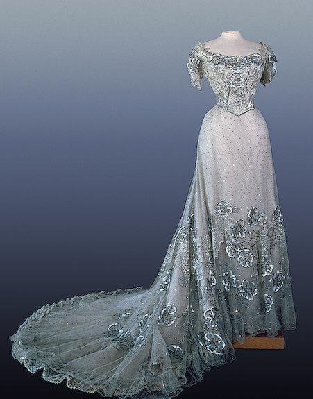 Evening dress worn by Alexandra Feodorovna, 1900's Russia